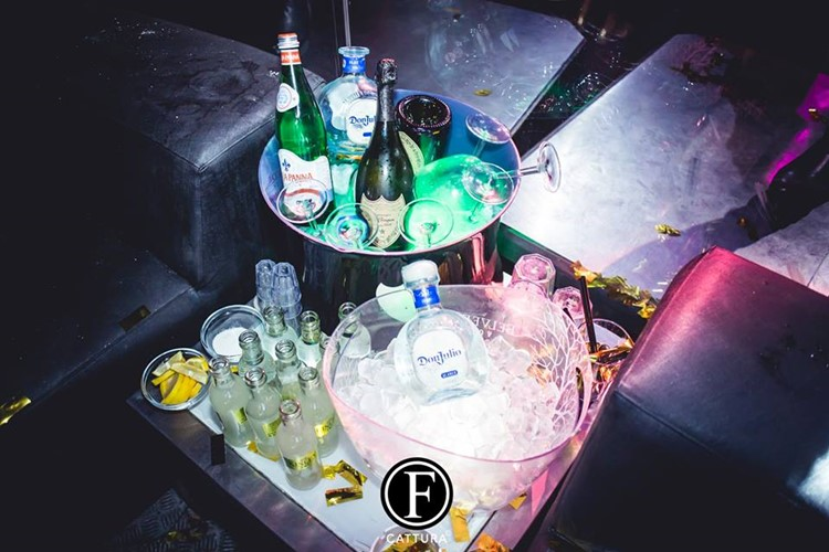 Old Fashion Club nightclub Milan party table booking reservation alcohol bottles service