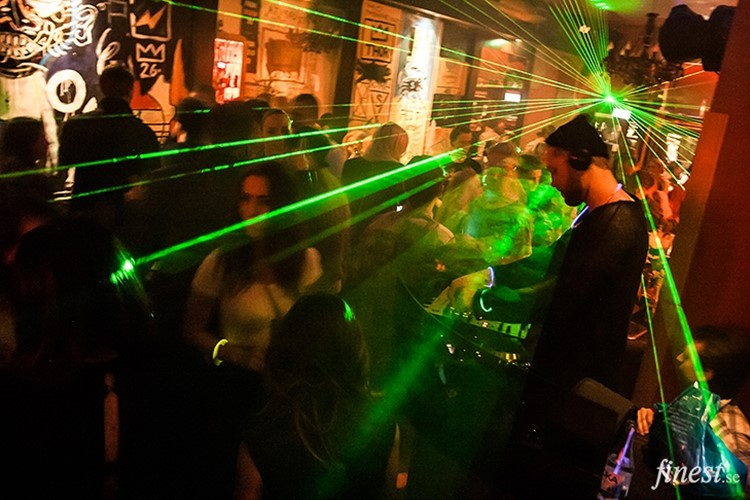 Party at Oxid VIP nightclub in Stockholm. Find promoters for guest list in Clubbable