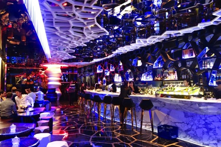 Ozone club Hong Kong luxury modern interior design bar view mirrors on walls and ceiling bar and lounge area