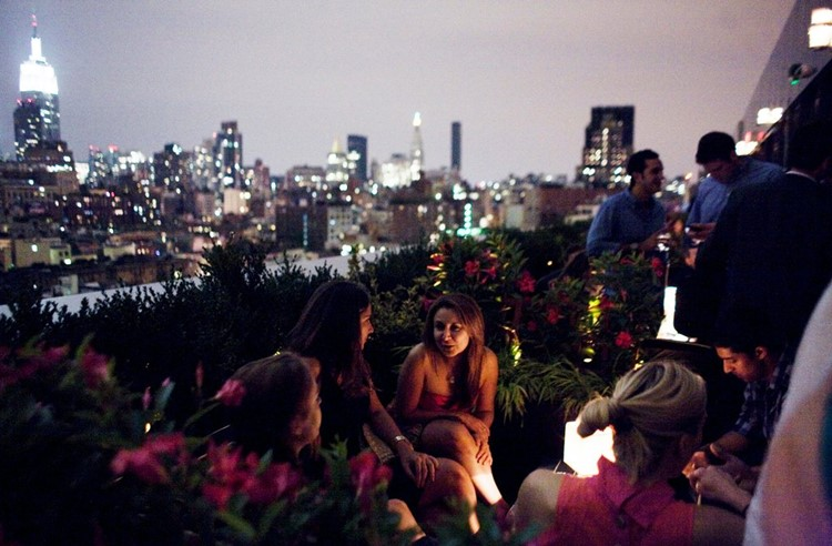Party at PH-D VIP nightclub in New York. Find promoters for guest list in Clubbable