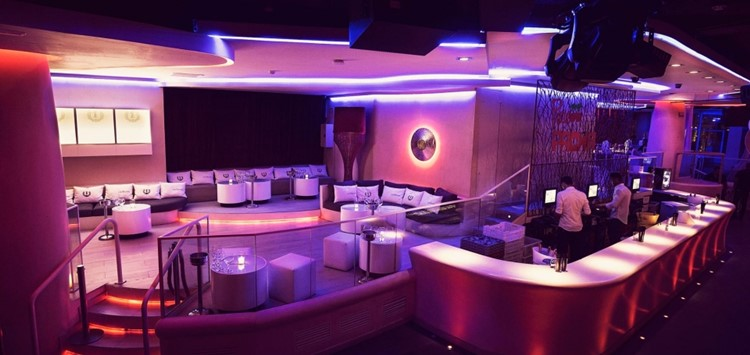 Party at Pacha VIP nightclub in Barcelona. Find promoters for guest list in Clubbable