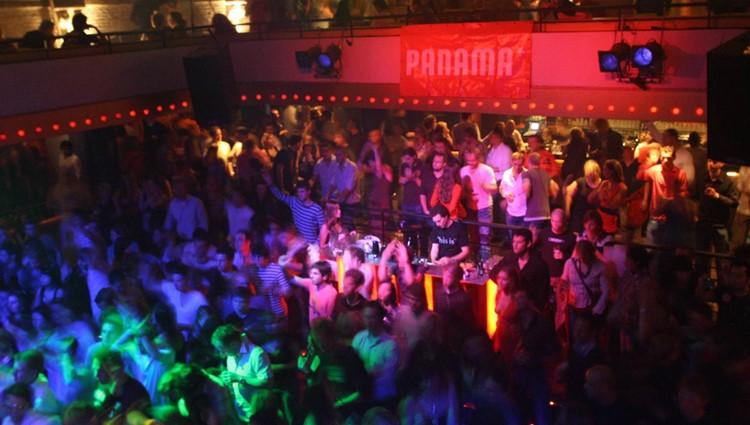 Panama Club nightclub Amsterdam crowd at party concert