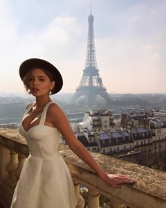 Paris, dress code, wear, do, don't, how to get in, what to wear, how to dress, proper outfit, men's wear, ladies, shoes, elegant, dress, chic