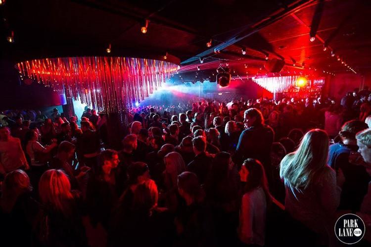 Park Lane Show club nightclub Gothenburg party crowd partying