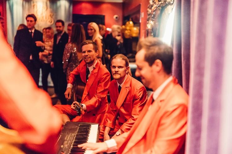 Park Lane Show club nightclub Gothenburg party musicians concert instruments