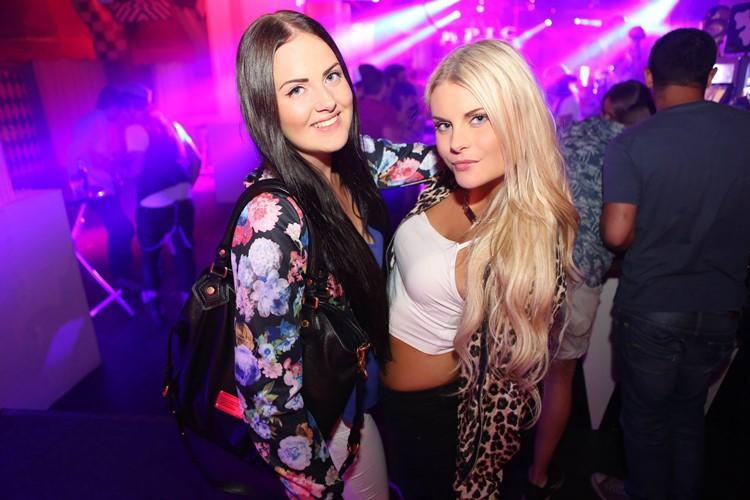 Park Lane Show club nightclub Gothenburg party sexy girls partying