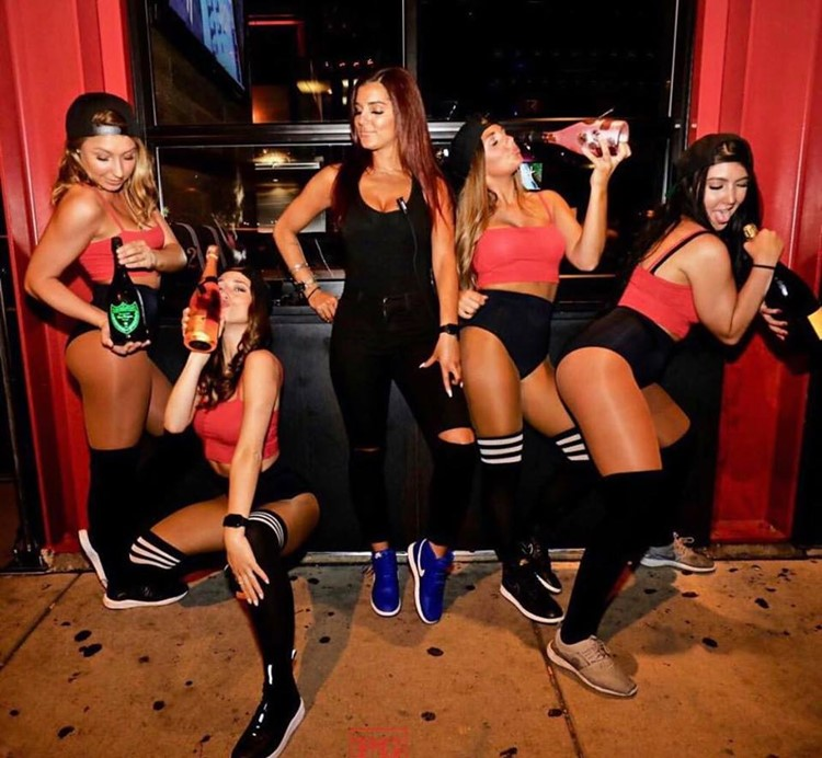 Parlay sports club Chicago sexy girls waitresses big bottles of champagne vodka