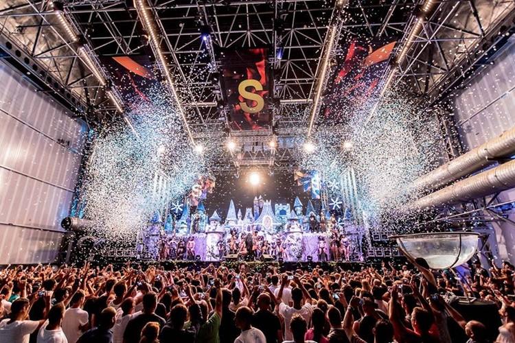 Privilege nightclub Ibiza event with confetti in the air