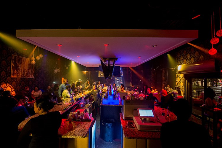 Pure Lounge Atlanta fun nigh party lights show music dance floor