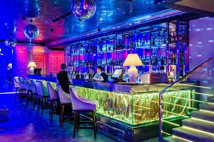 Party at Royal Arbat VIP nightclub in Moscow. Find promoters for guest list in Clubbable