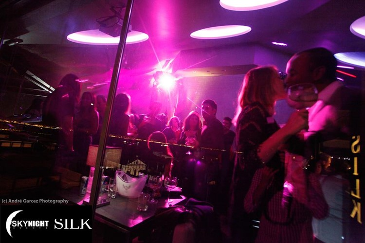 Silk Club nightclub Lisbon people having fun kissing dancing at party