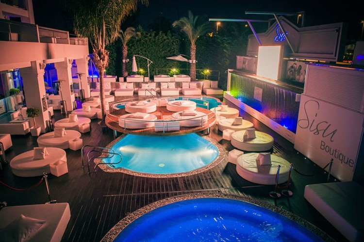 Sisu dayclub Marbella view at night