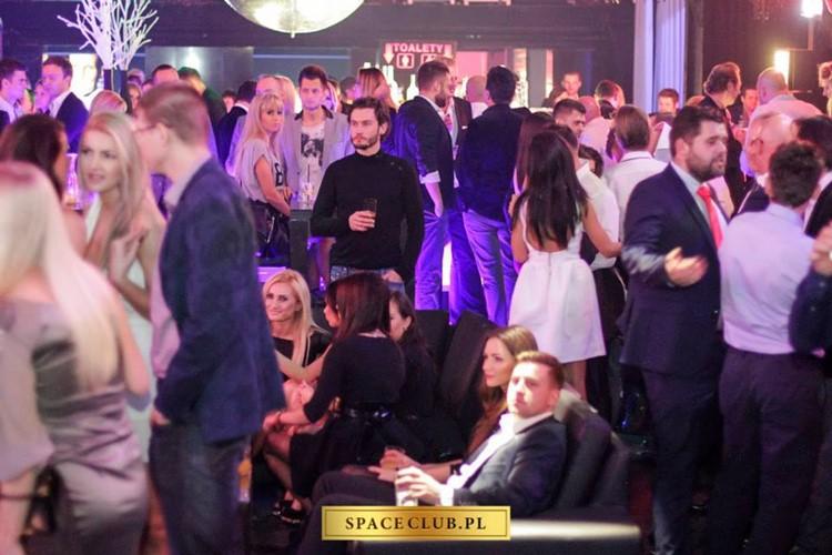 Space Club nightclub Warsaw people having fun dance dj partying