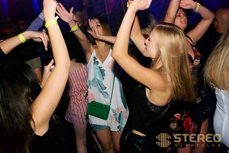 Stereo nightclub Chicago girls having fun dancing