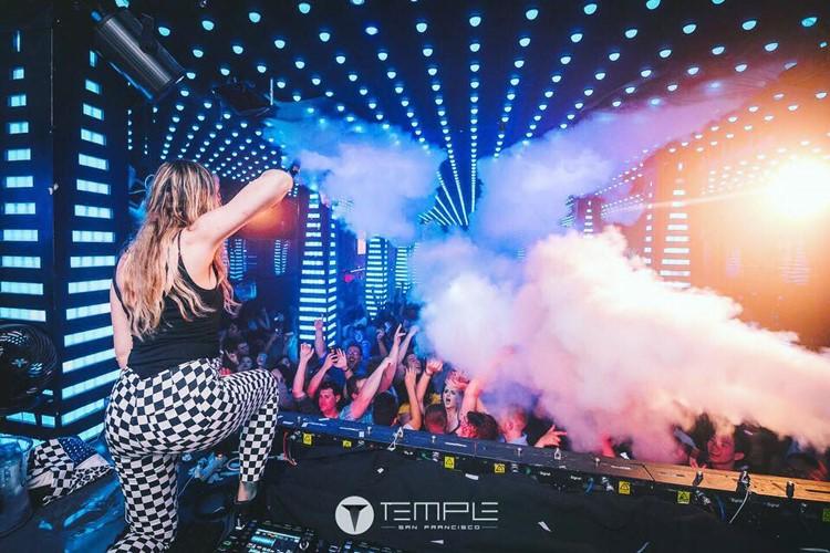 Temple nightclub San Francisco dj girls singing having fun crowd show