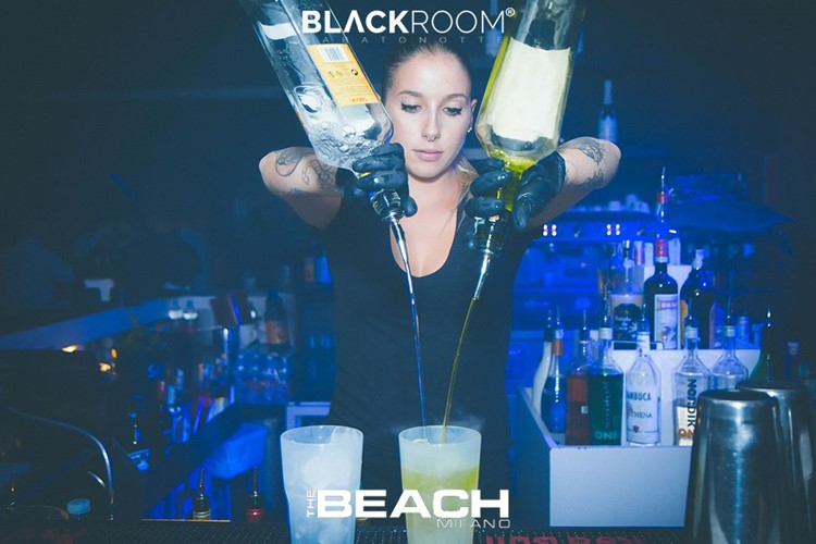 The Beach Club nightclub Milano party girl bartender drinking mixing alcohol drinks cocktails