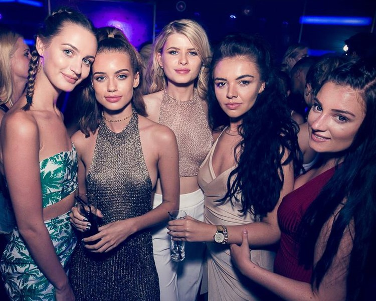 Tibu nightclub Marbella beautiful group of girls