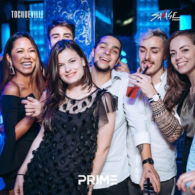 Tocqueville 13 nightclub Milan friends girls boys party club