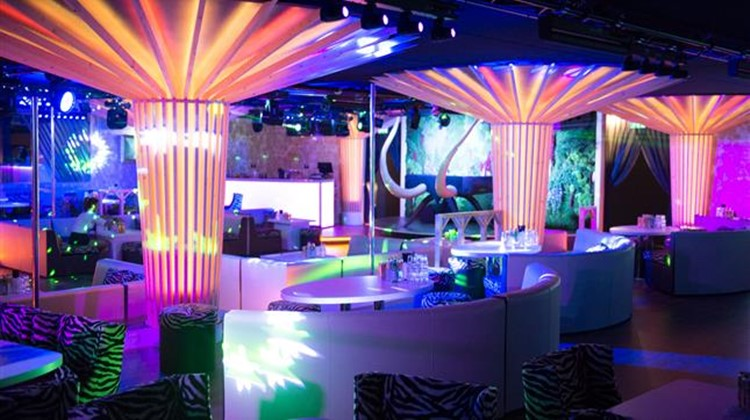 Party at Twiga VIP nightclub in Monaco. Find promoters for guest list in Clubbable