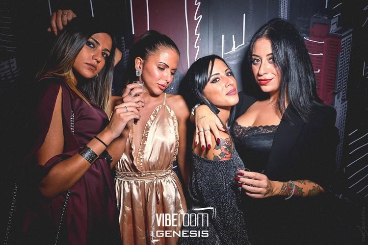 Vibe Room nightclub Milan party sexy girls brunettes