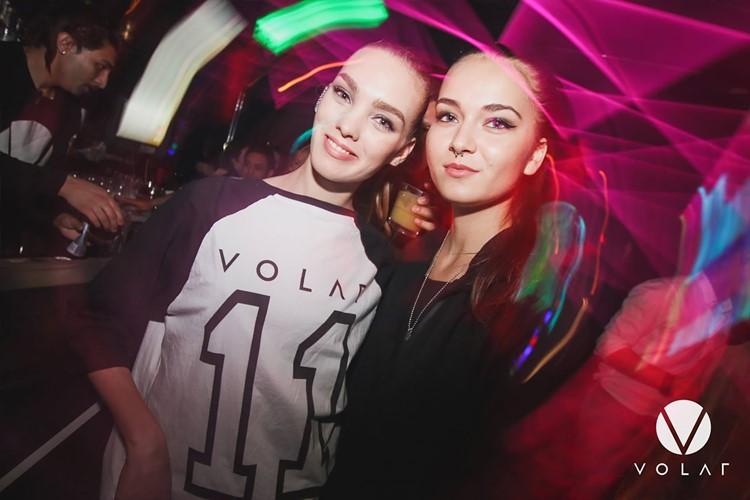 Volar nightclub Hong Kong two pretty girls having fun