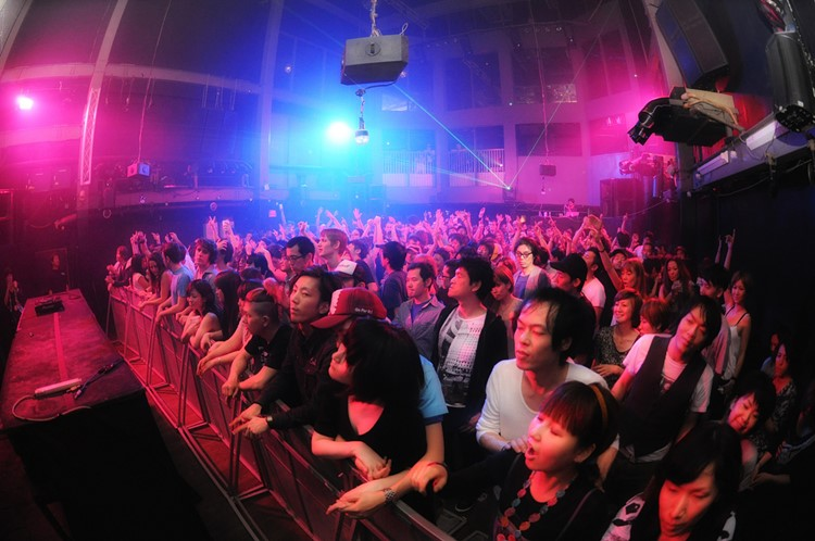 Womb nightclub Tokyo crowd dancing at concert show