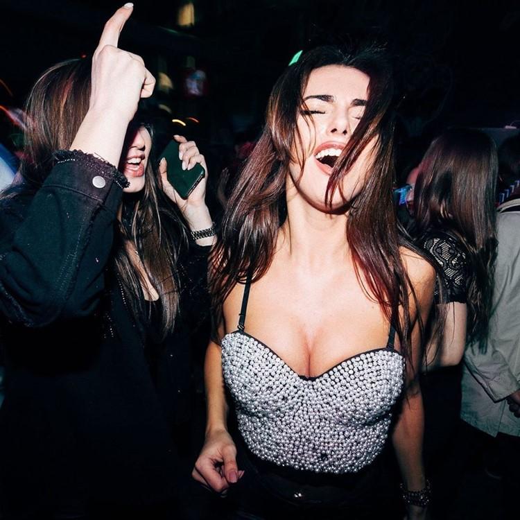 ночные клубы для девушек в москве
